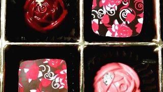 パティスリーエチエンヌがベルばらをイメージして作った、髙島屋限定のボンボンショコラ